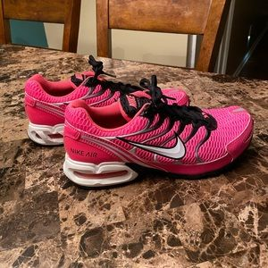 SUPER HOT AND STYLISH AUTHENTIC PINK NIKE